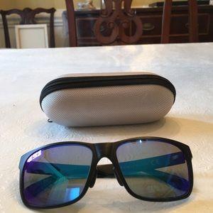 Maui Jen red sands sunglasses + case